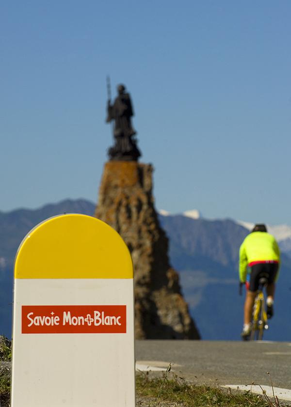 cyclo col petit saint Bernard - Philippe Royer juin2022 HAUTE TARENTAISE TOURISME