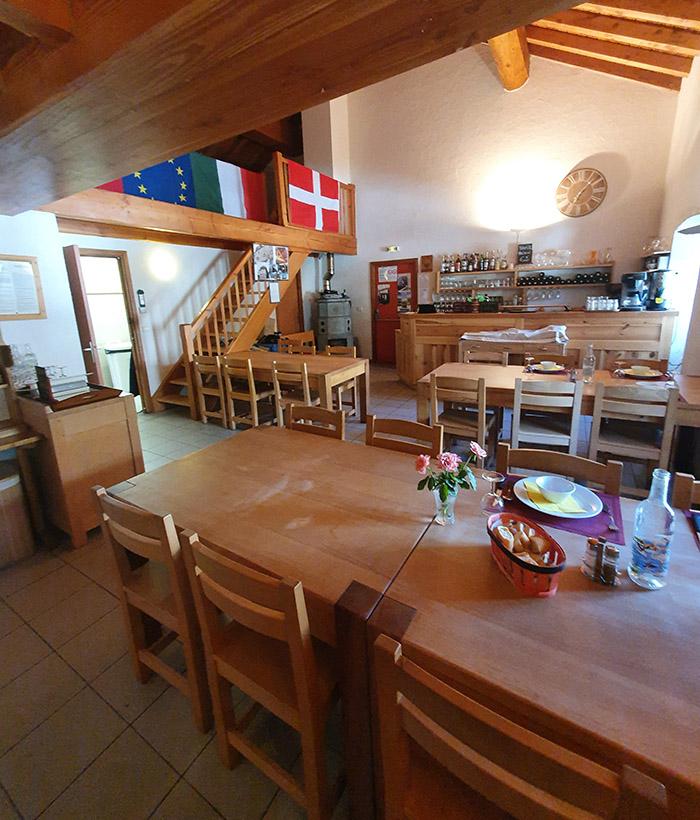 Le restaurant de l'hospice du col du petit saint bernard