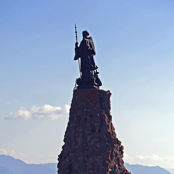 statue St Bernard sous l'hospice