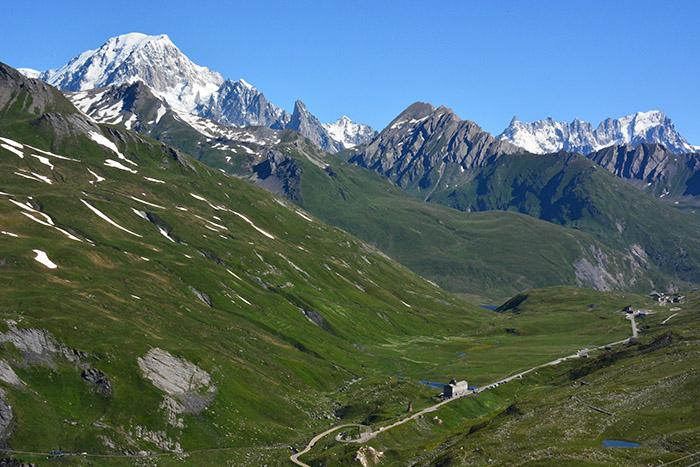 vue col du petit saint bernard et Mont blanc